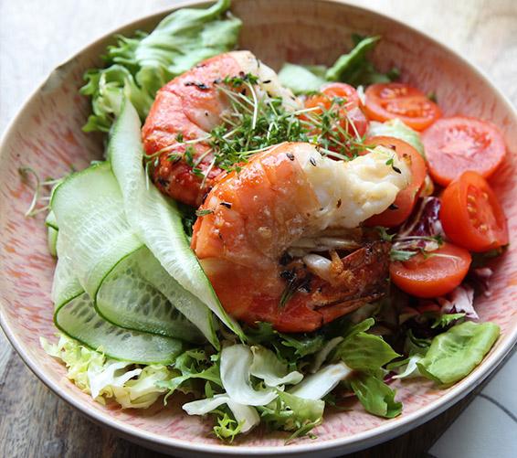 Das Restaurant Quchnia am Berliner Gendarmenmarkt bietet Ihnen eine reichhaltige Speisekarte.